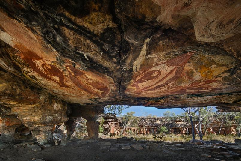 John Gollings, Ancient rock art, Nawarla Gabarnmang, Arnhem Land 2015 / 2019, ink jet print on canson baryta paper, 150 x 225 cm, Reproduced with the permission of the late Margaret Katherine, Senior Elder of the Buyhmi clan and traditional owner of Nawarla Gabarnmang, © John Gollings
