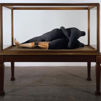 Louise Bourgeois, Couple IV 1997, fabric, leather, stainless steel and plastic, 77.5 x 20.8 x 165.1 cm, Courtesy of Cheim & Read and Hauser & Wirth, Photograph: Christopher Burke, © Louise Bourgeois Trust