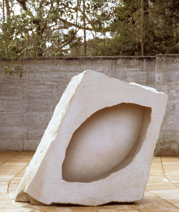 Anish Kapoor, In the Presence of Form II 1993, portland stone, 110 x 174 x 170 cm, Heide Museum of Modern Art, Purchased through the Georges Mora Foundation with funds donated by the Victor Smorgon Charitable Trust 1993 Courtesy of the artist