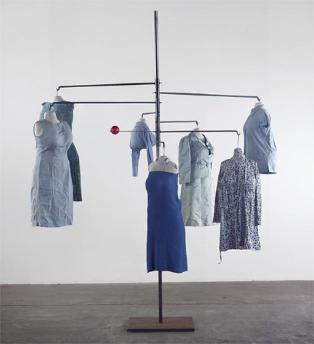 Louise Bourgeois, Blue Days 1996, Cloth, steel and glass, 241.3 x 292.1 x 205.7 cm, Courtesy of Cheim & Read and Hauser & Wirth, Photograph: Christopher Burke, © Louise Bourgeois Trust