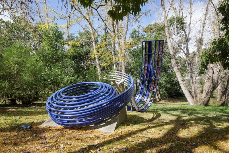 Dennis Oppenheim, Basket and Wave (From Dreams and Nightmares) 1984, synthetic polymer paint on steel, concrete, 792 x 488 x 549 cm, Heide Museum of Modern Art, Gift of Dennis Oppenheim and Diana Gibson 1985, Courtesy of the artist