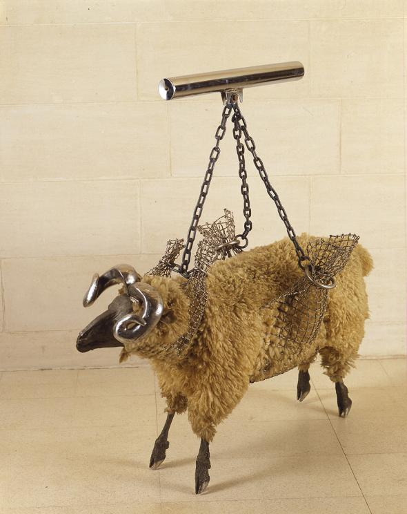 Les Kossatz, Ram in a Sling 1973, wool, stainless steel, synthetic polymer paint, 66 x 129.3 x 126.5 cm, Heide Museum of Modern Art, © Estate of Les Kossatz